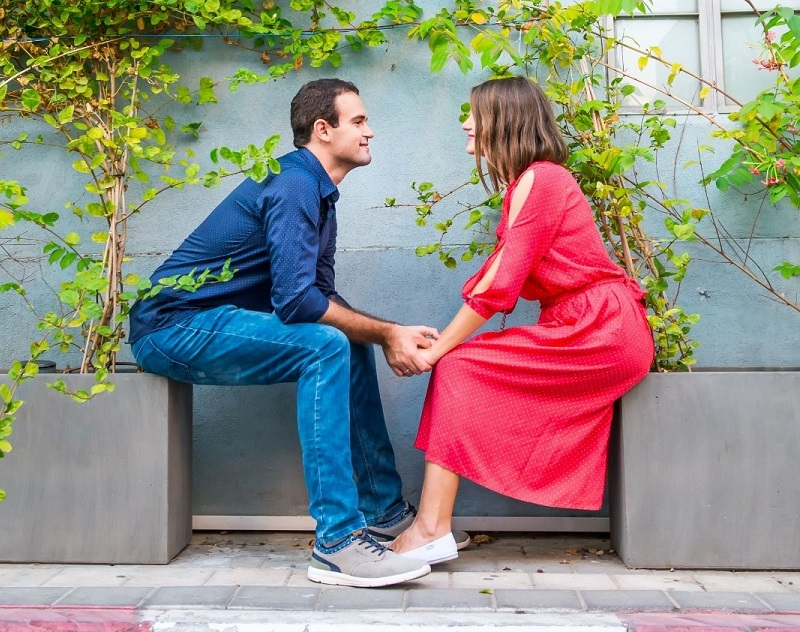 Couple Communicates through Differences